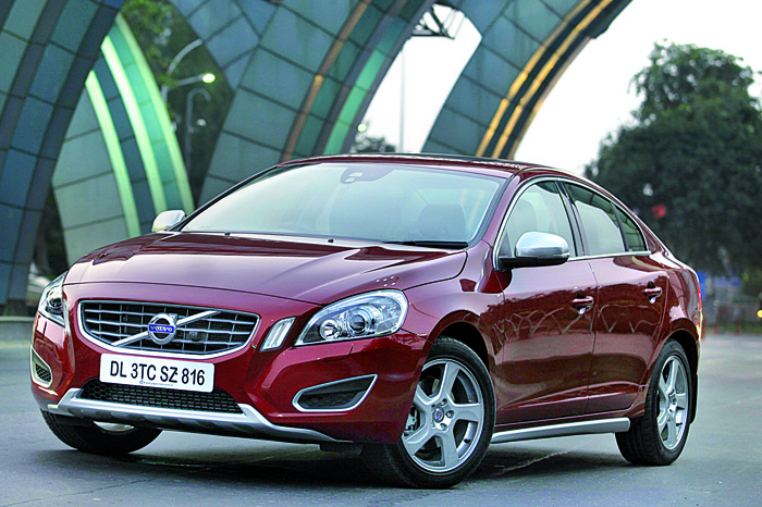 Volvo S60 Review D3 | Cars First Drive | Compact luxury saloons | Autocar India