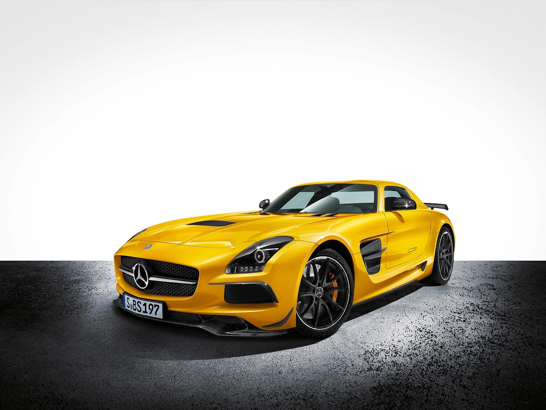Mercedes SLS AMG Black series revealed