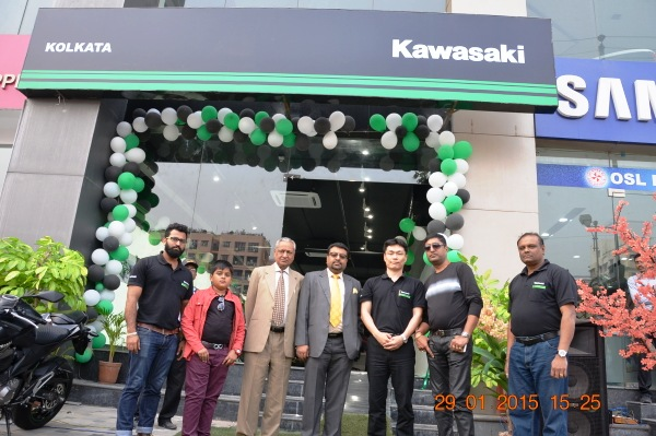 Kawasaki opens outlet in Kolkata - 139.4KB