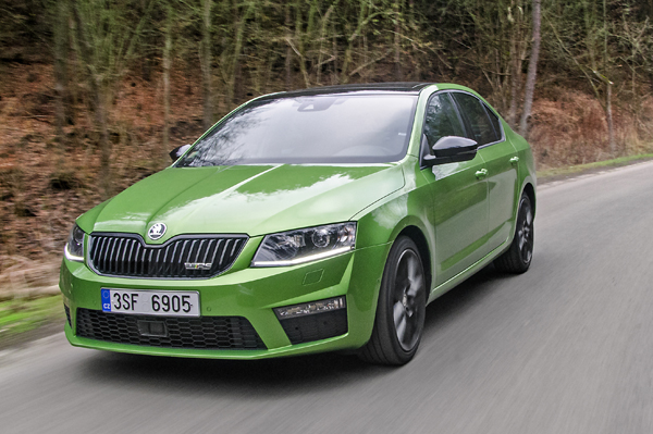 skoda octavia review cars first drive executive. Black Bedroom Furniture Sets. Home Design Ideas