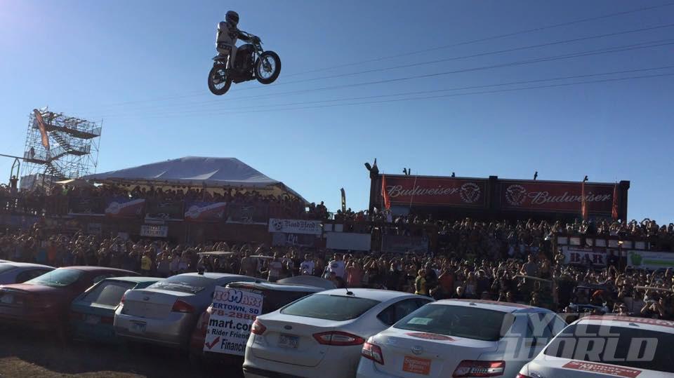 Evel Knievel Replica Harley Davidson Forums: Doug Danger Breaks Evel Knievel's Record