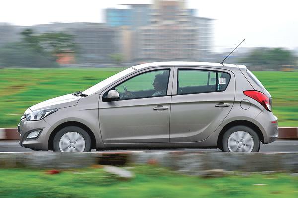 Honda or hyundai feature autocar india for Honda or hyundai