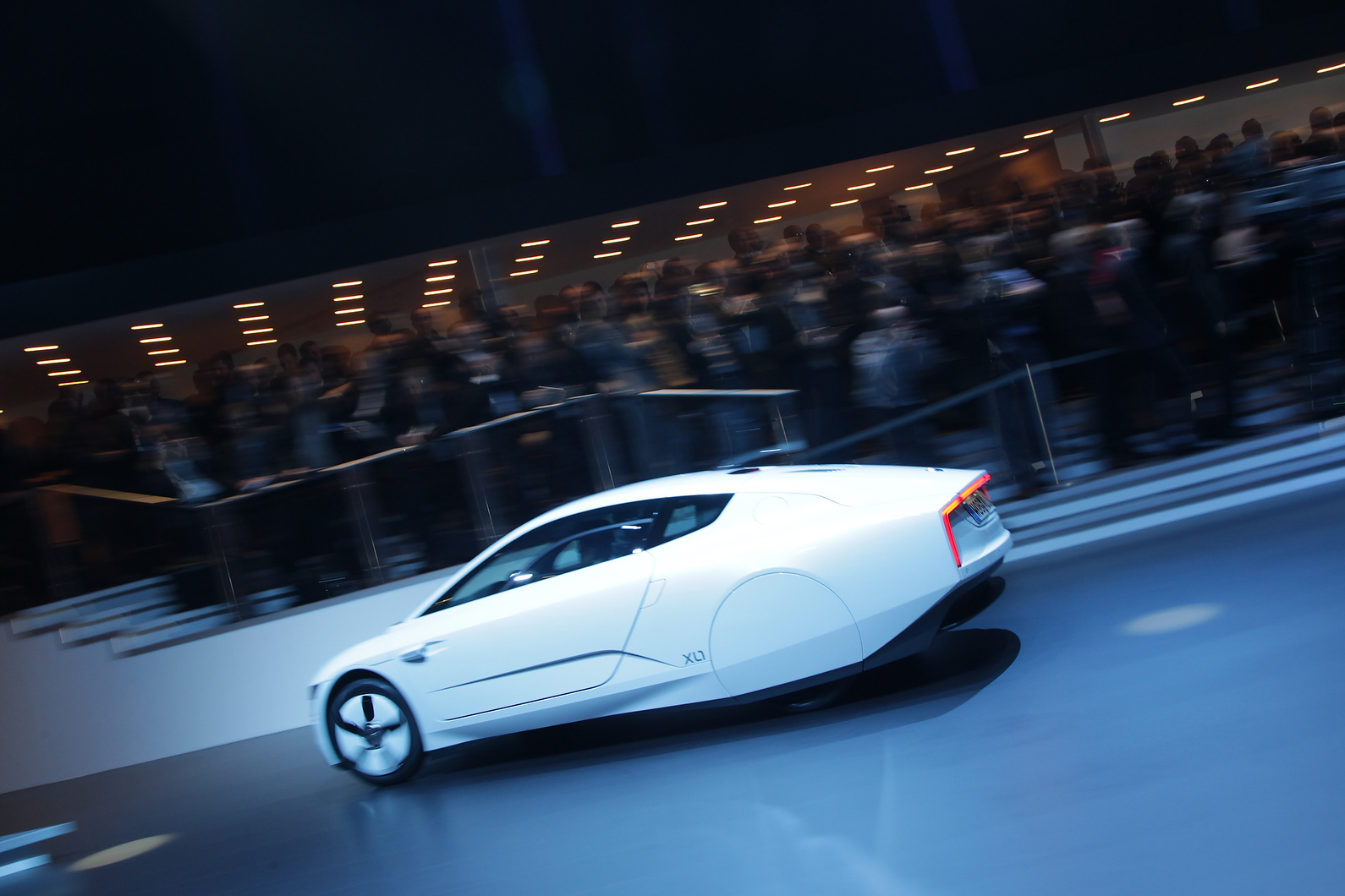 VW XL1 will go on sale later this year; initially 50 will be made