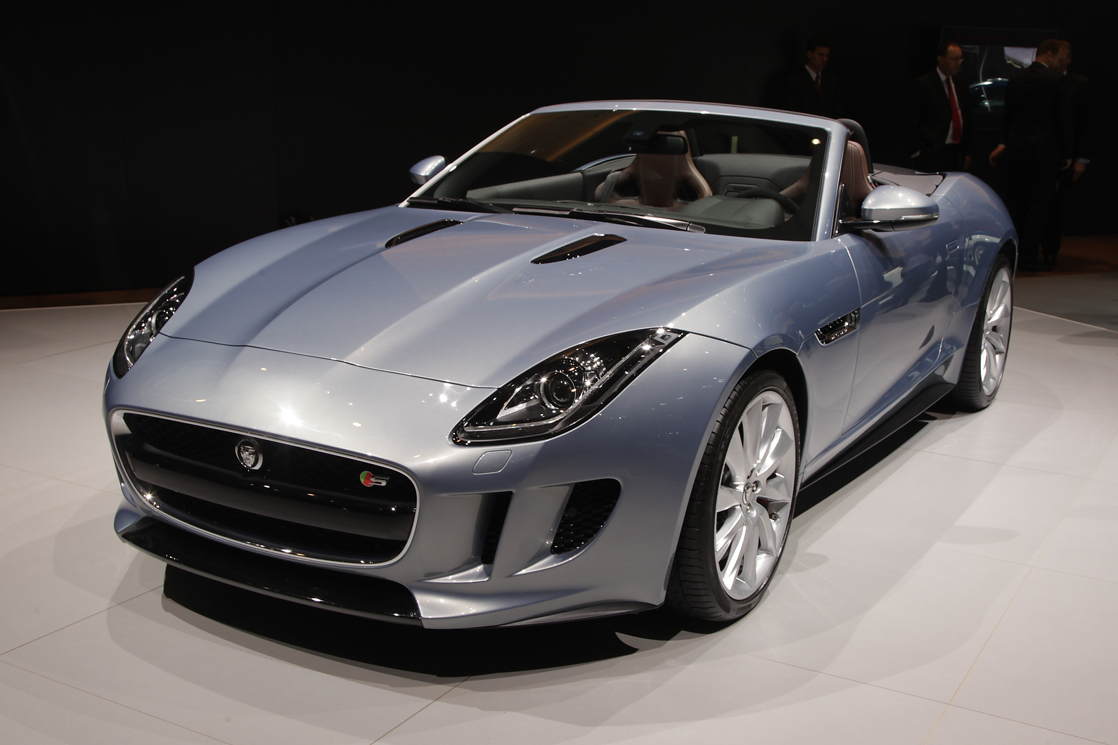 F-type arrives in Jaguar showrooms this year. Internationally, both V6 and V8 petrol engines will be available
