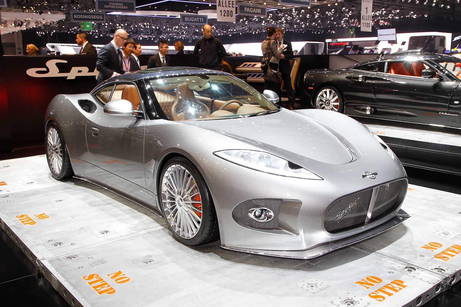 Spyker has pulled the wraps of its new Porsche 911 rival, the Spyker B6 Venator at the Geneva motor show.