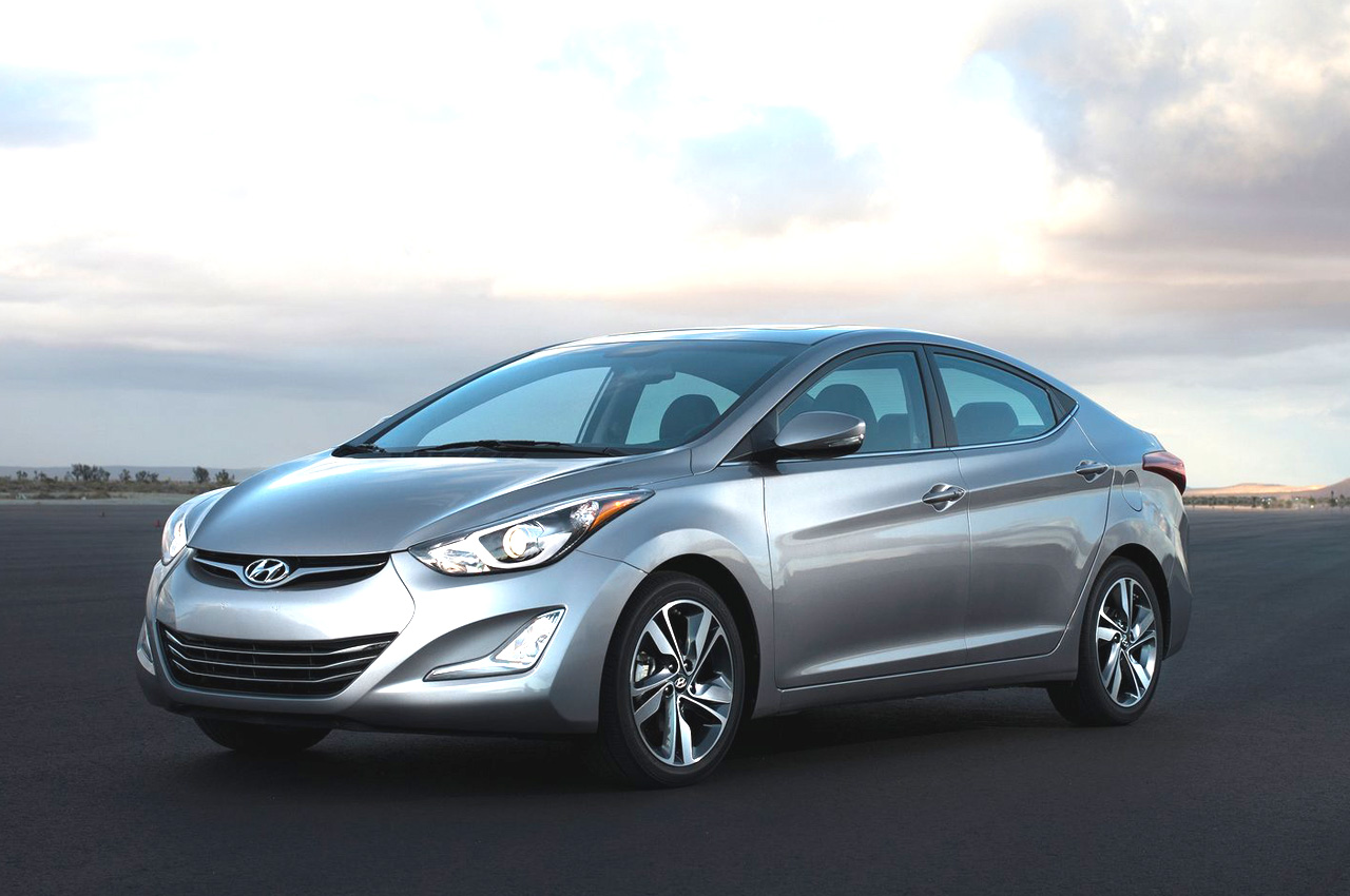 hyundai elantra facelift photo gallery car gallery entry luxury saloons autocar india. Black Bedroom Furniture Sets. Home Design Ideas