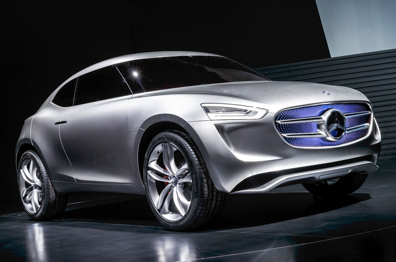 Image 4 of 12 for New mercedes benz small suv