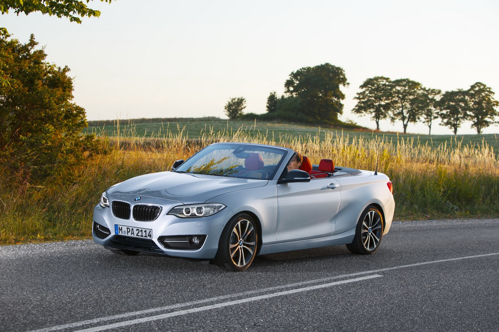 new bmw 2 series convertible photo gallery car gallery compact luxury saloons autocar india. Black Bedroom Furniture Sets. Home Design Ideas