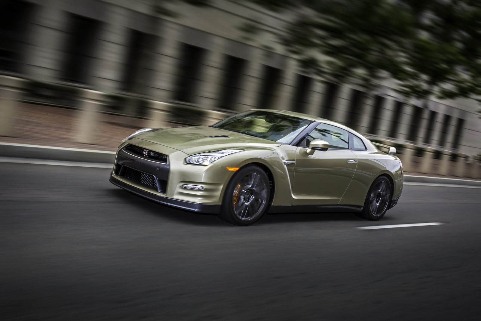 2016 nissan gt r 45th anniversary gold edition car. Black Bedroom Furniture Sets. Home Design Ideas