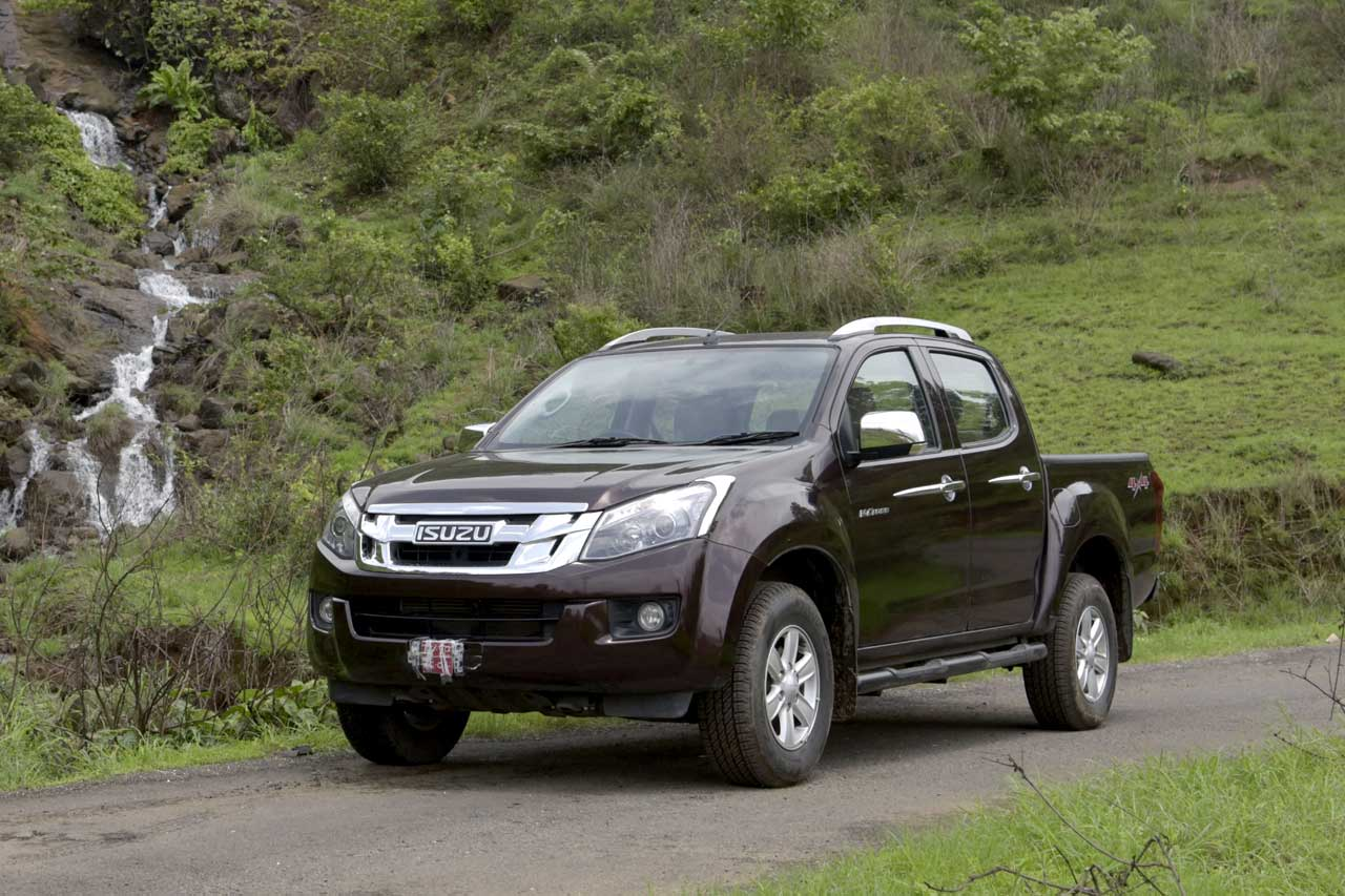2016 Isuzu D-Max V-Cross photo gallery