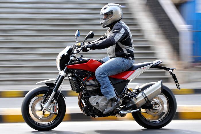 husqvarna nuda 900r bikes bikes 800cc 1000cc autocar india. Black Bedroom Furniture Sets. Home Design Ideas