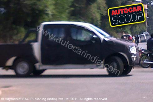 Xylo double-cab pickup spy pics